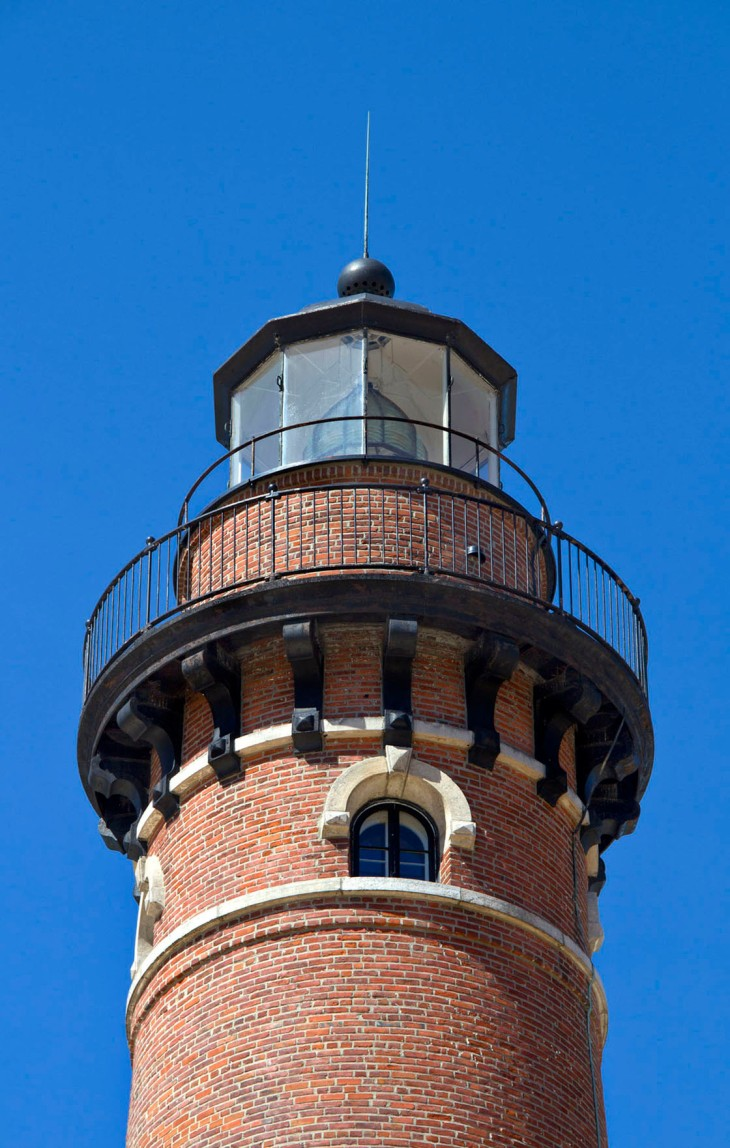 Au_Sable_Lighthouse_Close_small